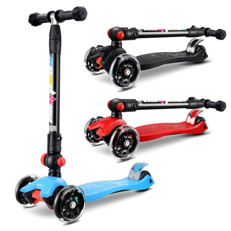 Gấp gọn xe Scooter khi không sử dụng hoặc muốn mang đi xa